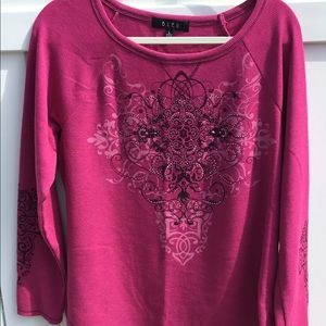 B.L.E.U Fuchsia Pullover with Long Sleeves Size L